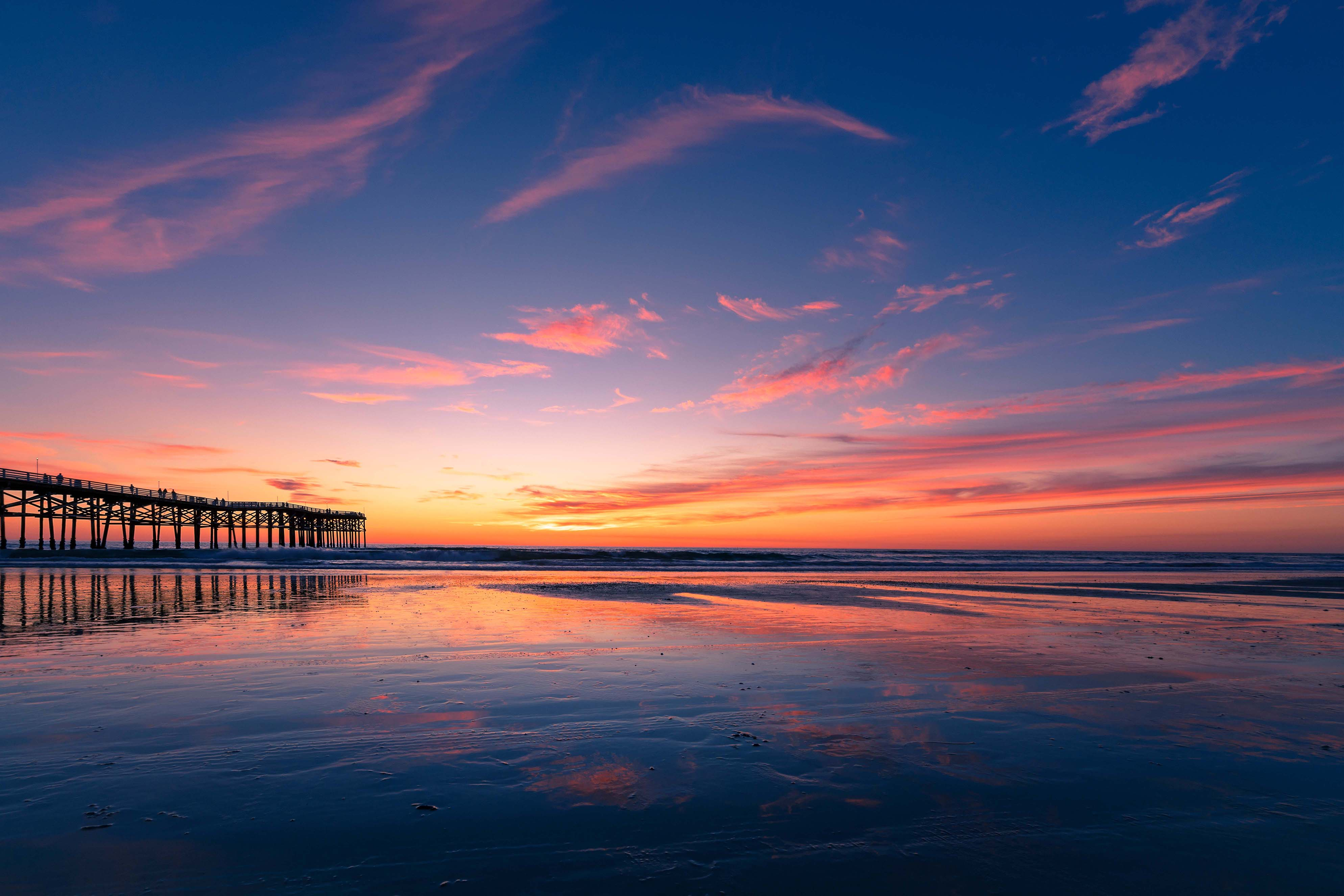 beach-sunset-california-LBVUDEX